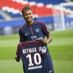 Neymar - Cầu thủ sau bốn năm núp bóng của Messi